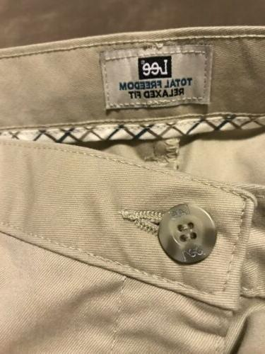 LEE Men's Stretch Relaxed Fit Flat Front Pant 42W x 32L Sand