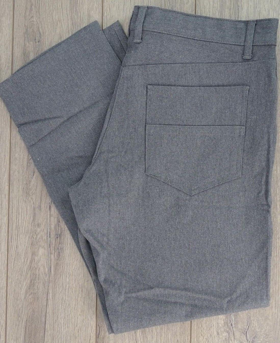NEW!! Calvin Klein Men's  Straight Casual Pants, Gray Size 3