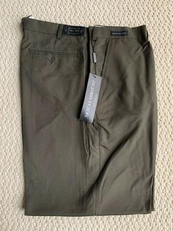 NWT Men's Victorio Cuture Olive Green Flat Front Dress Pants