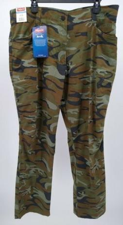 NWT Men's Wrangler Outdoor Straight Fit Performance Camo Pan